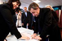 Nicolas Sarkozy röstar.