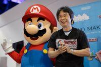 Mario och hans skapare Shigeru Miyamoto. Arkivbild.