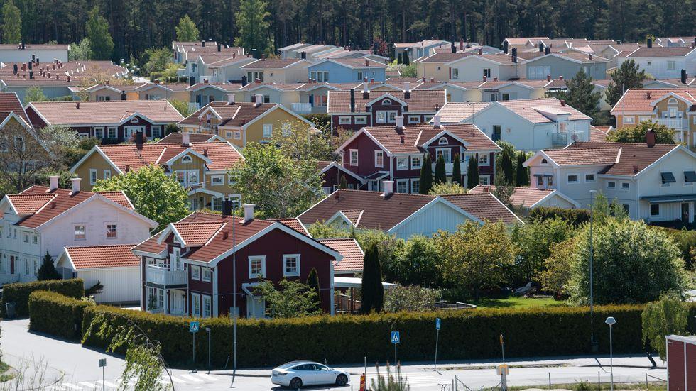 Villapriserna faller i flera regioner. Arkivbild.