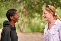 Ikun Ikunta och hans stora ju/´hoansi-familj som lever i Kalahariöknen i Namibia var några av dem som donerade det mitikondrie-dna som har analyserats i den nu aktuella studien. Forskaren Vanessa Hayes, som lever i regionen, har besökt Ikun Ikunta och hans familj regelbundet i över tio års tid. Arkivbild.