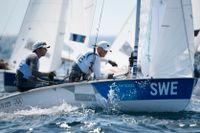 Anton Dahlberg och Fredrik Bergstrom seglar 470, i Enoshima, men inte under måndagen.