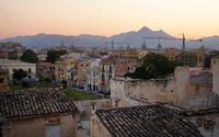 Palermo är staden där allt blandas. Nytt och gammalt, arabiskt och gotiskt, pråligt och enkelt. Temperaturen i staden är behaglig året runt.