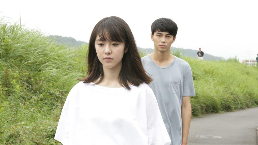 Erika Karata och Masahiro Higashide.