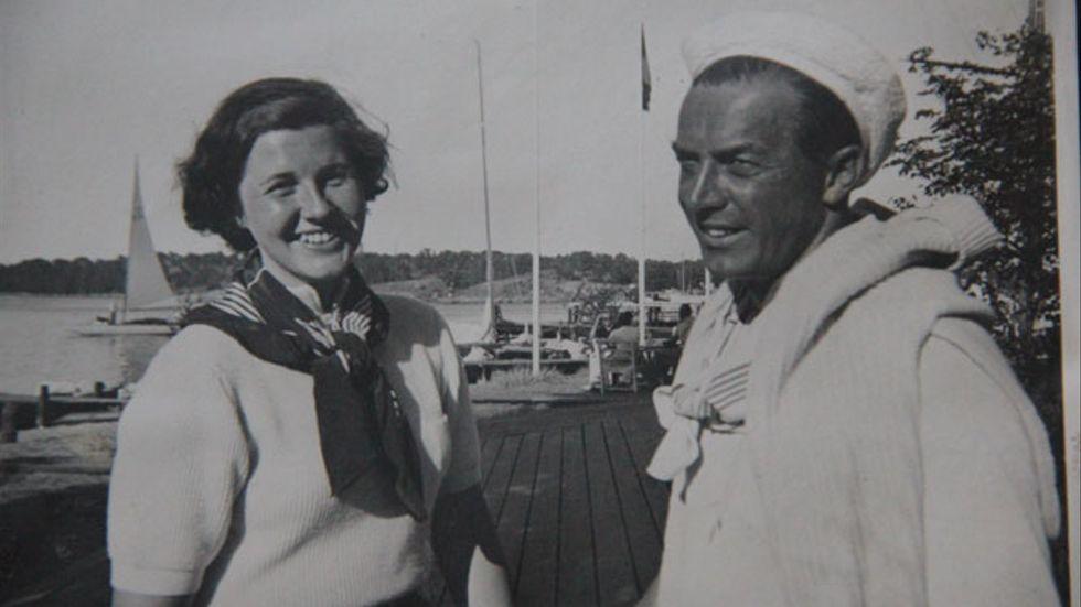 Bertel och Margareta i Sandhamn i augusti 1938.