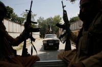 Talibaner patrullerar i Afghanistans huvudstad Kabul på torsdagen.
