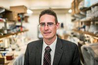 Rob Knight har grundat The american gut project som är världens största öppna kartläggning av den mänskliga bakteriefloran. Han är också en av forskarna bakom en liknande kartläggning av bakteriefloran i jord. Här fotograferad på University of California i La Jolla, San Diego.