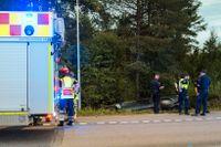 Fyra flickor fördes till sjukhus efter en olycka med en a-traktor.
