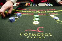 Runt 30 procent av dem som spelar på Casino Cosmopol varje månad har den allvarligaste formen av spelproblem.