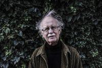 Rolf Aggestam föddes 1941 i Stockholm. Han gav ut tio diktsamlingar och en roman, och var under flera år redaktör för Lyrikvännen.