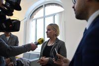 Utrikesministern bör tala mer om politiska fri- och rättigheter i Ryssland.