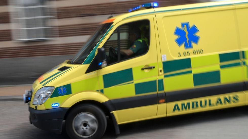 Det dröjde 27 minuter innan ambulans larmades ut. Arkivbild.