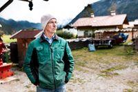 """Alois Hornsteiner i den lilla byn Graswang i Bayern är starkt kritisk till utbyggnaden av mobil- och 5G-master. """"Mobiltelefonin skadar kroppen"""", hävdar han."""