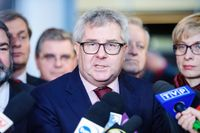 Ryszard Czarnecki sparkas från sin post som en av EU-parlamentets vice talmän.