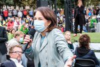 I slutspurten av kampanjen kämpar Annalena Baerbock för att vända miljöpartiets utförstrend. Här på ett valmöte i Mainz.
