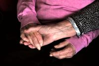 Många coronasjuka på äldreboenden fick palliativ vård i stället. Arkivbild.