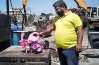 Wassim Suleiman säljer sin femåriga dotters cykel för att kunna köpa mat till familjen.