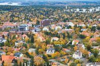 Flygbild över hotell Foresta (tv) och Millesgården på Lidingö