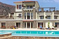 Lyxvilla i den lilla byn Elounda för 36 miljoner kronor. På Kreta finns ett stort utbud av lediga objekt. De billigaste semesterbostäderna går för under motsvarande en miljon kronor.