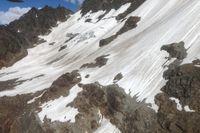 Olycksplatsen i Gletscherspitze ovanför orten Blatten i schweiziska alperna.