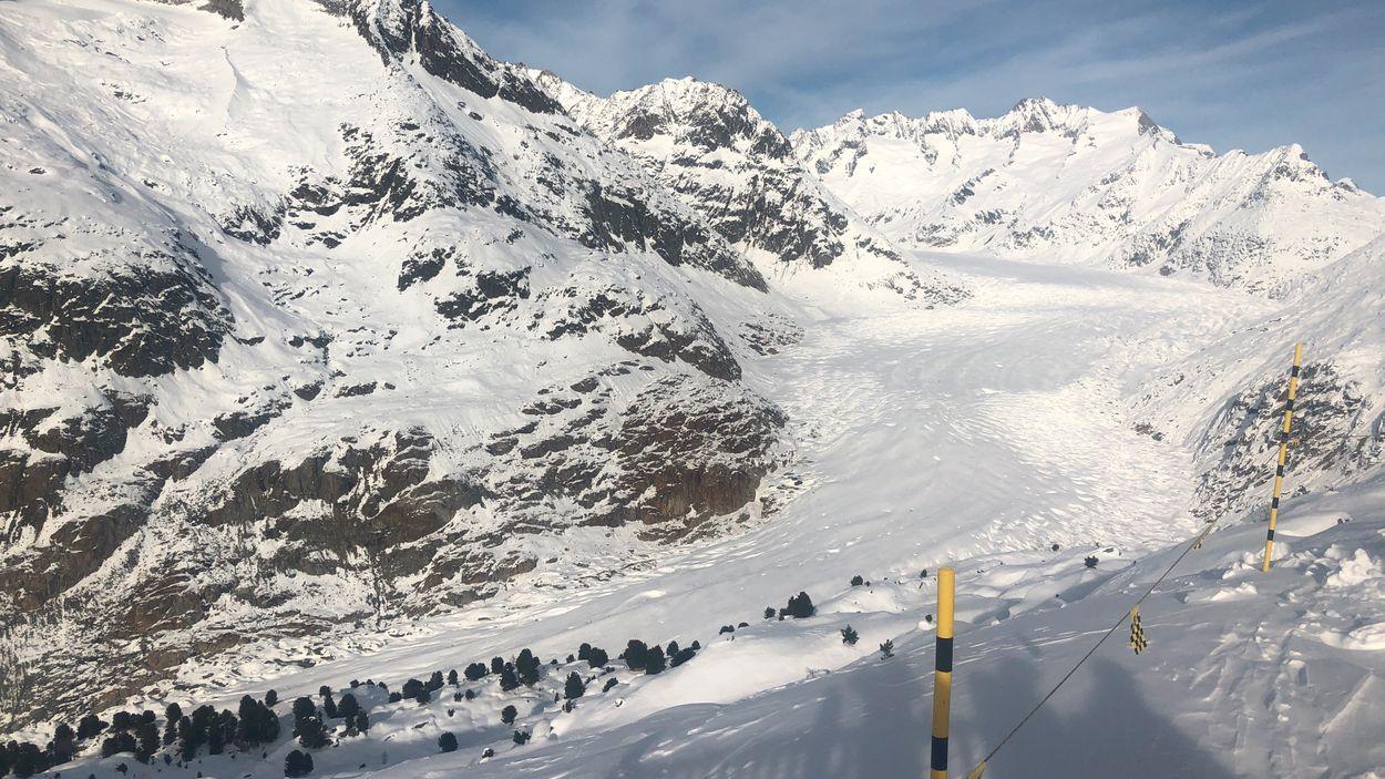 Alpernas största glaciär Aletsch i Schweiz håller på att smälta bort.