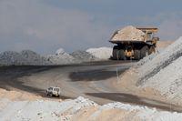 Adani kommer inom kort att börja anlägga vägar i anslutning till gruvan. Arkivbild från en annan australisk kolgruva.