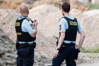 Polis på plats efter dubbelmordet i Danmark. Nu har domen fallit.