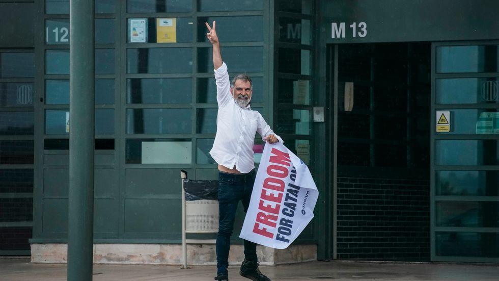 Jordi Cuixart är en av de katalanska ledare som har suttit frihetsberövade – men som nu har benådats och släppts på fri fot.