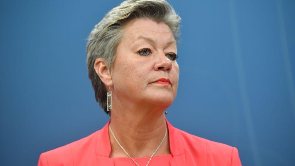 Ylva Johansson ska svara skriftligt på frågor innan hon förhörs den 1 oktober. Arkivbild.