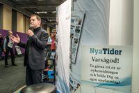 Chefredaktör Vávra Suk talar i Nya tiders monter på bokmässan i Göteborg ifjol.
