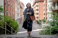 """""""Tror man att bostadspriser bara kan gå upp så finns det inte många risker. Det gör nuvarande läge skrämmande. Många riskerar att vara oförberedda"""", säger Jeanette Carlsson Hauff, lektor vid företagsekonomiska institutionen på Göteborgs universitet och Borås högskola."""