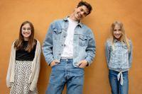 Juniorreportrarna Tuva och Clara fick träffa sin stora idol Oscar Zia.