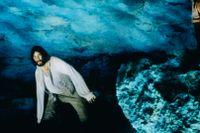 """Jim Caviezel och Luis Guzman i """"Greven av Monte Cristo"""" från 2002."""