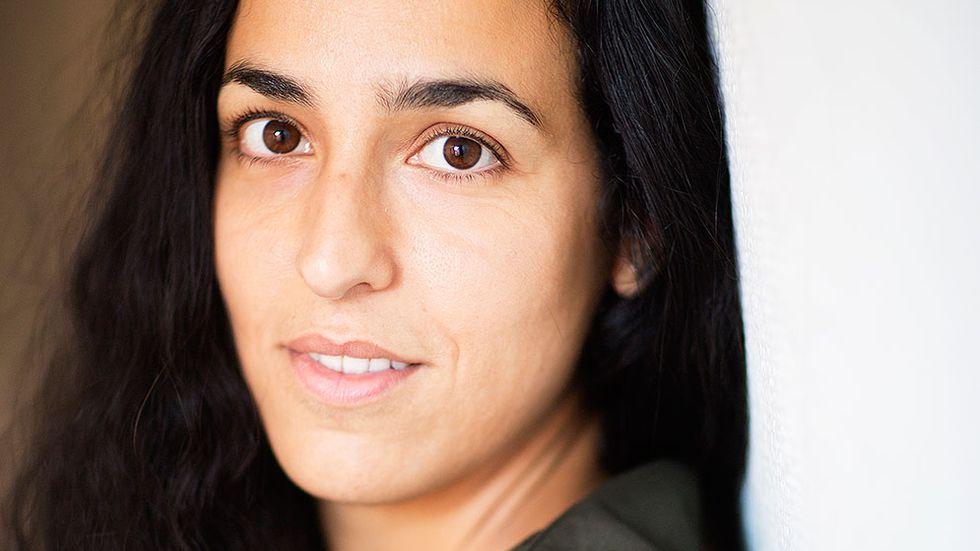 Pooneh Rohi är född i Iran 1982 men uppväxt i Stockholm. Hon är doktorand i lingvistik.