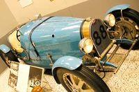 Både Gunnar Ekelöf och Aldous Huxley var förtjusta i sin Bugatti sport av årgång 1929. Det här exemplaret finns på en bilutställning i Indianapolis.