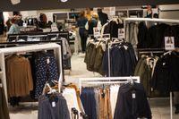 Anställda i butiksbranschen höjer rösten mot sexuella trakasserier. Arkivbild