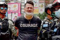 En av de många som gripits det senaste dygnet i Hongkong.