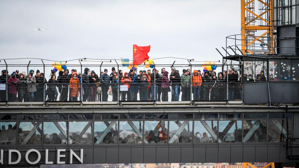 Lastfartyget Zhen Hua 33 ankommer till Stockholm med den nya Slussenbron från Kina.