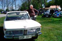 """""""Jag kör omkring med min 1500 på Öland på somrarna och bilen får beundrande blickar och kommentarer. En unik detalj inuti bilen är att originalplasten sitter kvar på tre av dörrarnas insidor"""", skriver Lennart Ejewall i sitt mejl till SvD Bil & Motor."""