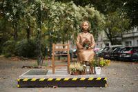 En staty i Berlin som hedrar de så kallade tröstkvinnorna under andra världskriget. Arkivbild.