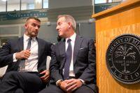 David Beckham och Jorge Mas vid en av förhandlingarna om stadionplanerna i Miami tidigare i juli.