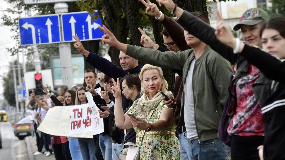 Vem är det nu de protesterar mot – Lukasjenko eller Lukasjenka?