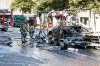 En Porsche brann på Odengatan på torsdagsmorgonen.