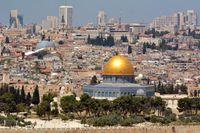 Jerusalem, med Klippdomen på Tempelberget i förgrunden.