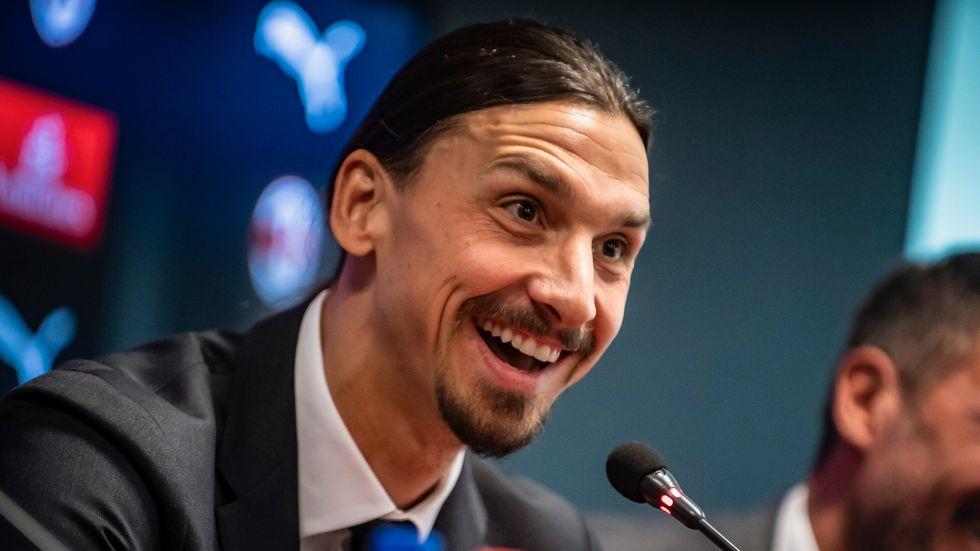 Zlatan på presskonferensen.