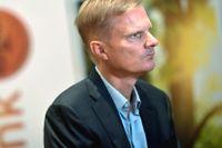 Swedbanks vd Jens Henriksson låter granskning bli offentlig.