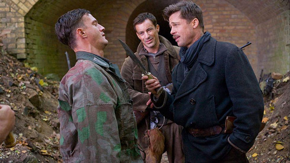Brad Pitt spelar med i Quentin Tarantinos Inglorious basterds.