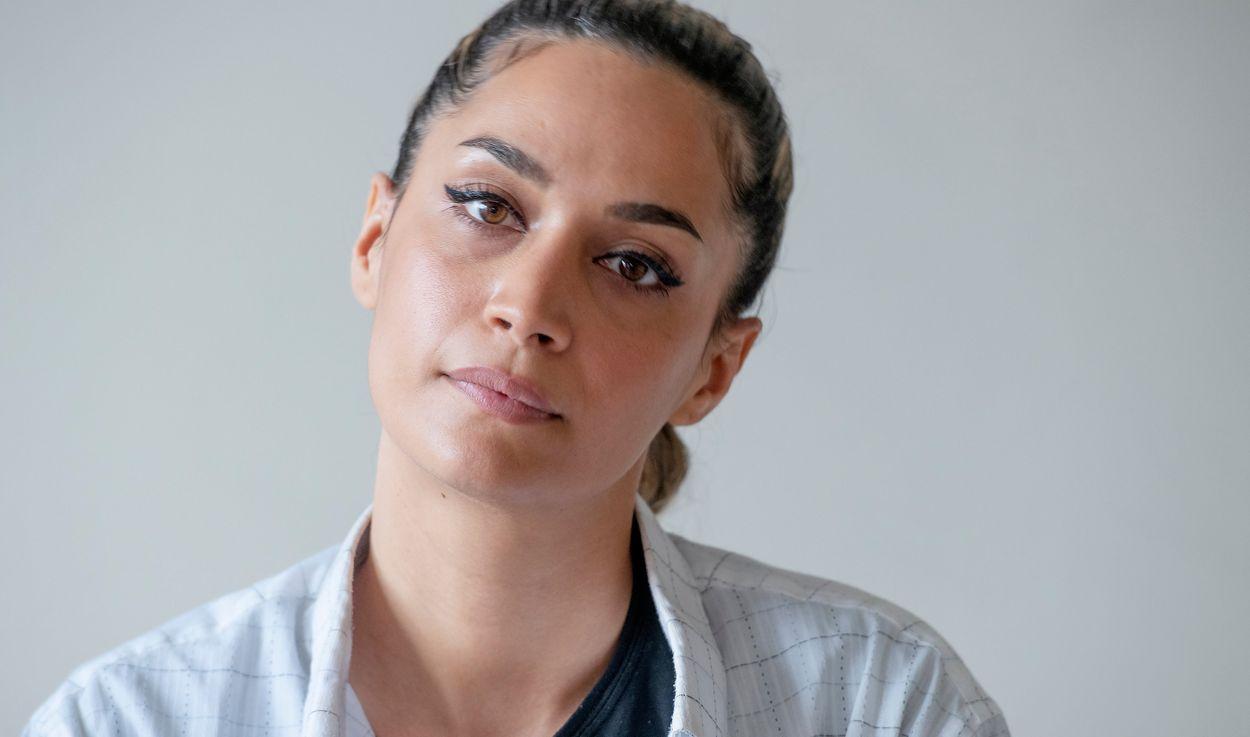 """Rojda Sekersöz är aktuell med """"Young royals"""", hennes första tv-serie: """"Det är lyxigt är att man kan hålla på med karaktärsutveckling mycket längre och har mer tid på sig att berätta en historia."""""""
