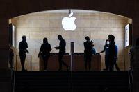 Apples besked att man halverar avgiften för de minsta utvecklarna kommer inte kosta jätten särskilt mycket, skriver Björn Jeffrey.
