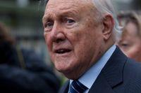 Stuart Hall, veteran inom BBC, har erkänt 14 fall av sexuellt ofredande mellan åren 1968–1986.