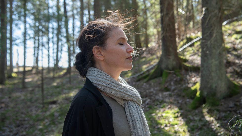 """Kristina Sandberg, född 1971, är författare och psykolog. 2015 tilldelades hon Augustpriset för, """"Liv till varje pris"""", den sista delen i sin romansvit om Maj."""